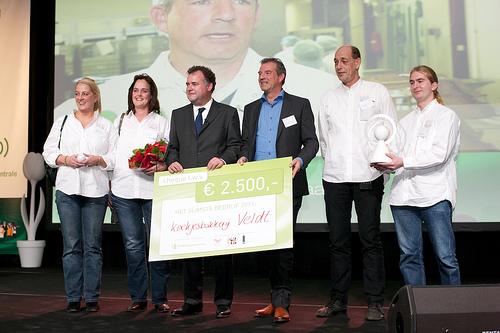 Koekjesbakkerij Veldt; 2011; Regie in eigen hand; omdraaien piramide; gelukkige keten; duurzame inzetbaarheid
